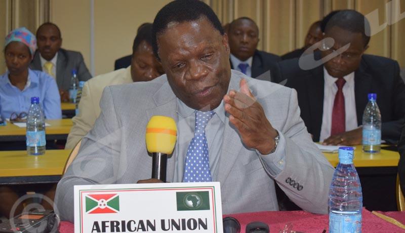 UA:«Le renoncement à un autre mandat ne suffit pas seul pour sortir de la crise»