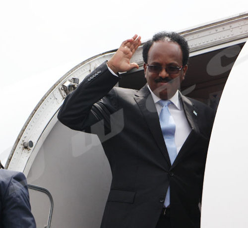 Du 18 au 19 février, Mohamed Abdoulahi, président somalien a effectué une visite au Burundi.Départ