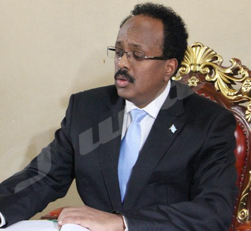 Du 18 au 19 février, Mohamed Abdoulahi, président somalien a effectué une visite au Burundi.Signature dans le livre d'or