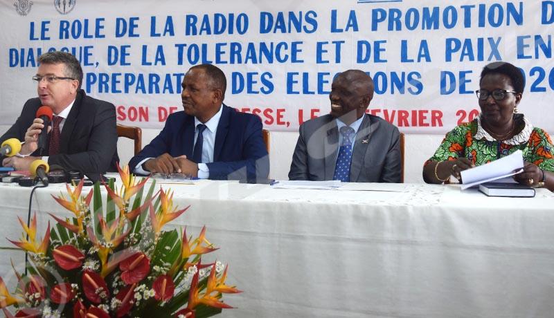 «Le rôle de la radio n'est pas seulement politique»