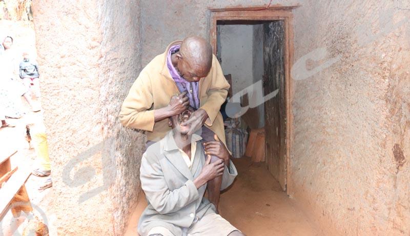 Muramvya : l'arracheur de dents de Mbuye
