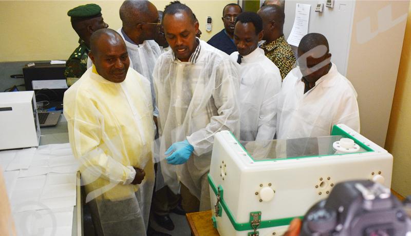 Le 2ème vice-président du Burundi visite les activités de préparation à la riposte contre la maladie à virus  Ebola
