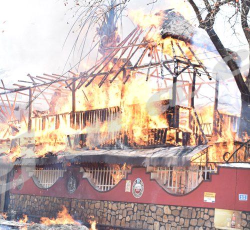 Lundi 26 Août 2019-Deux bars Nganda Relax Plus et Mubandi situés dans la zone Rohero partis en fumée./©Térence MPOZENZI/Iwacu