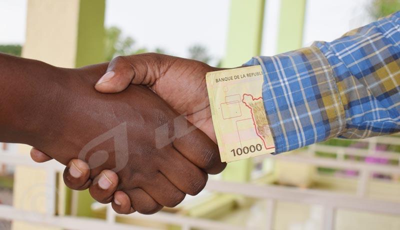 La lutte contre la corruption à reculons?