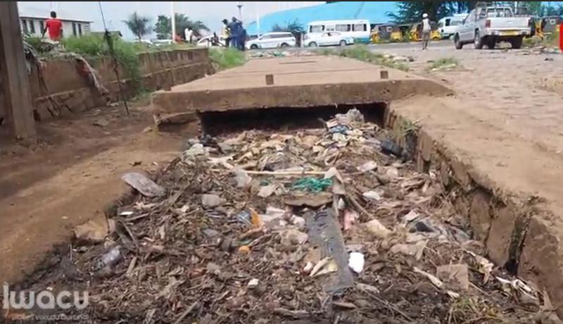 Bujumbura-Bwiza : Un caniveau dépotoir