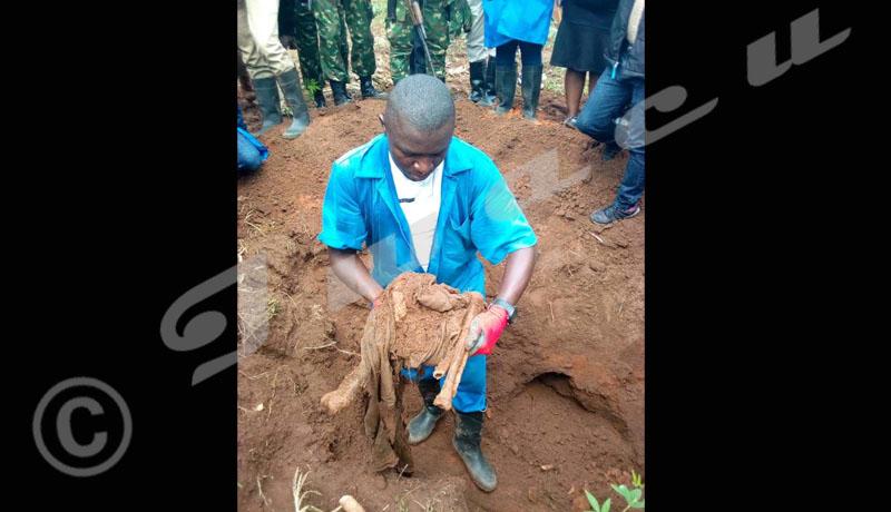 Des exhumations polémiques