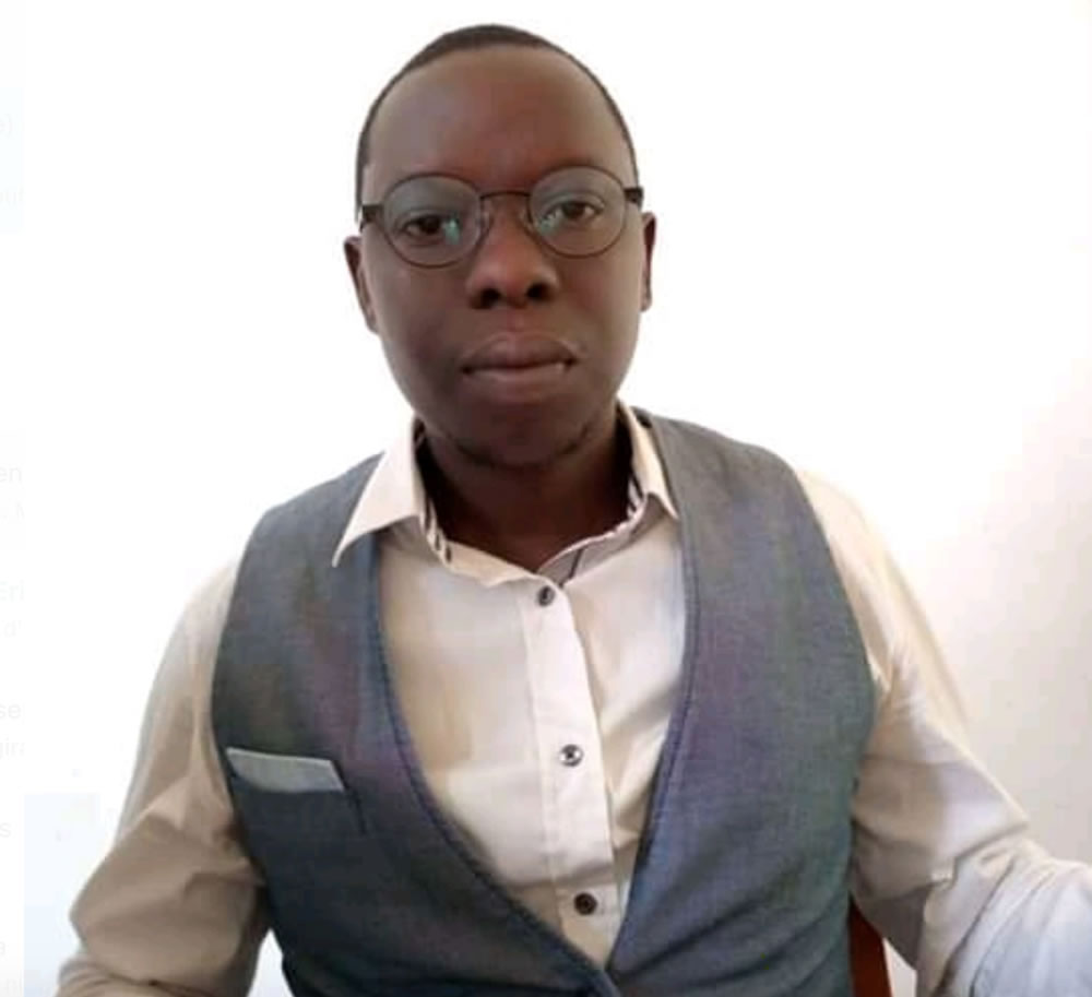 Professeur Eric Ndayisaba