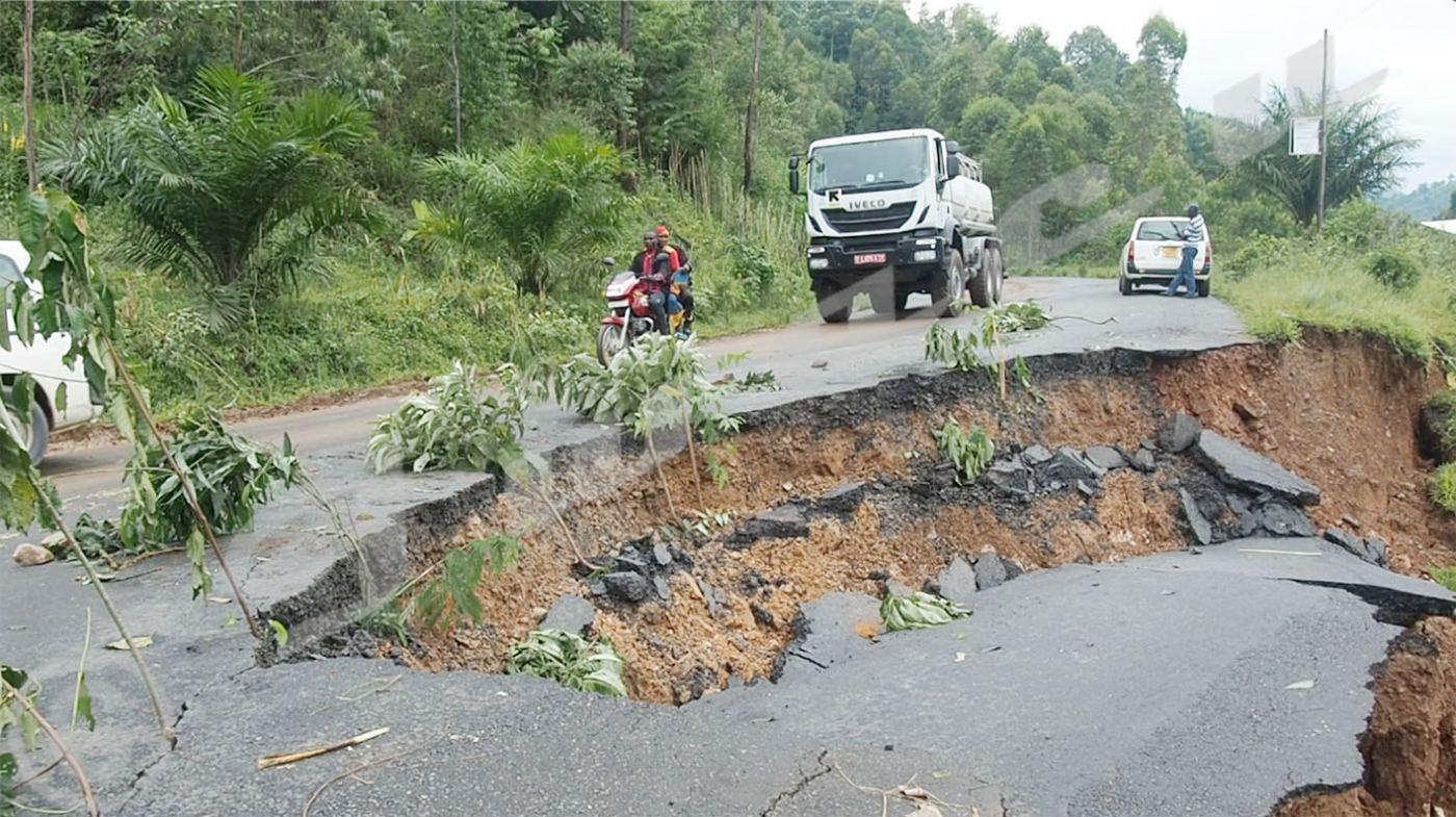 Des pans de la RNI s'effondrent à plusieurs endroits  suite aux fortes pluies
