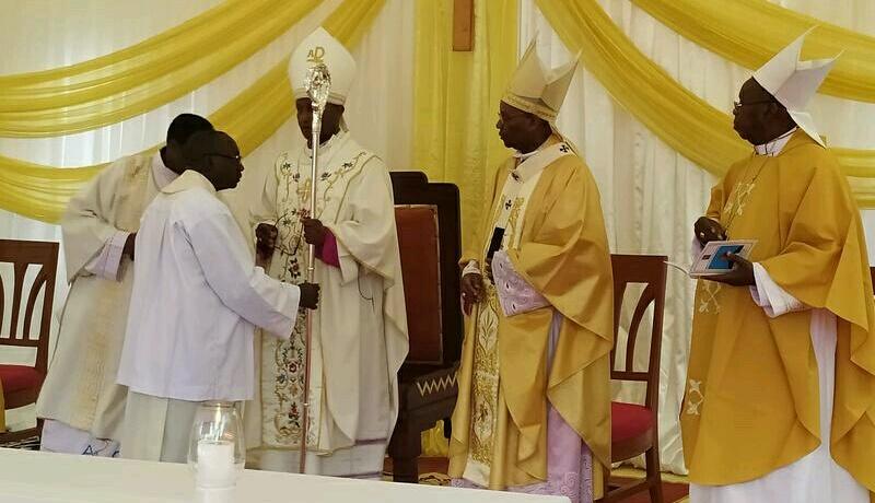 Mgr Salvator Niciteretse ordonné 4ème évêque du diocèse de Bururi