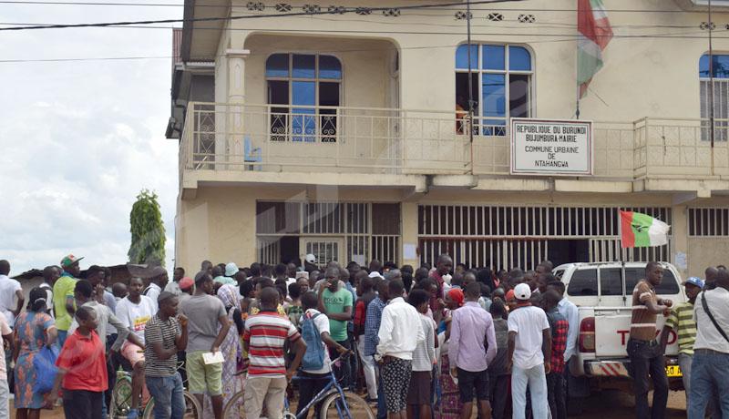 Bujumbura : Indignation des électeurs en attente des cartes