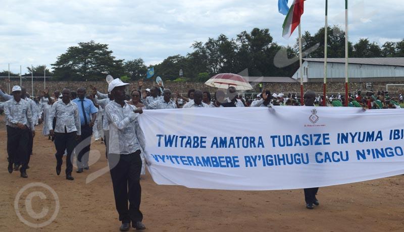 Journée mondiale du travail : Les agents de la mairie de Bujumbura, en plein défilé