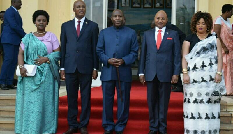 Le Général Bunyoni et M. Bazombanza ont prêté serment en l'absence de l'opposition