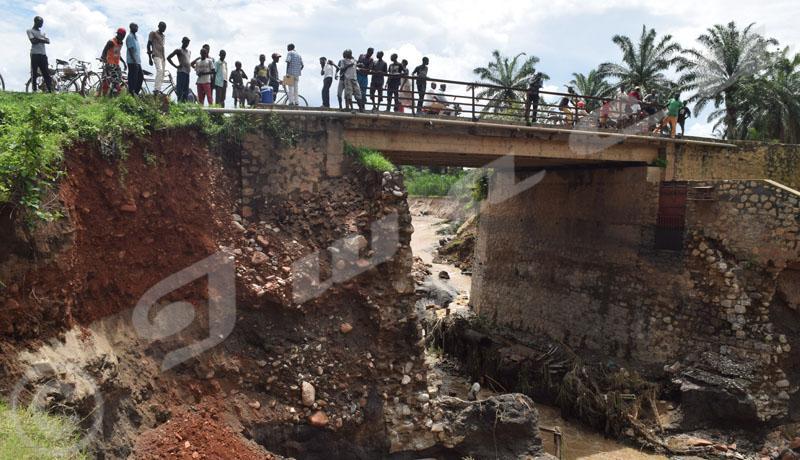 Carama-Rubirizi : le pont sur la rivière Gikoma risque de s'affaisser