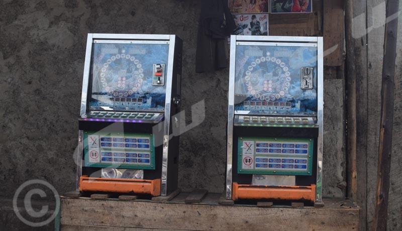 Commune Mukaza : chasse aux machines à sous