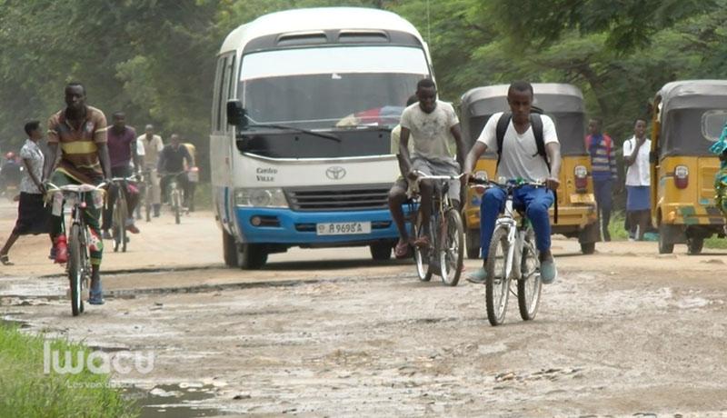 Bujumbura : le Blvd Lt-Gnl Adolphe Nshimirimana délabré, les automobilistes s'alarment