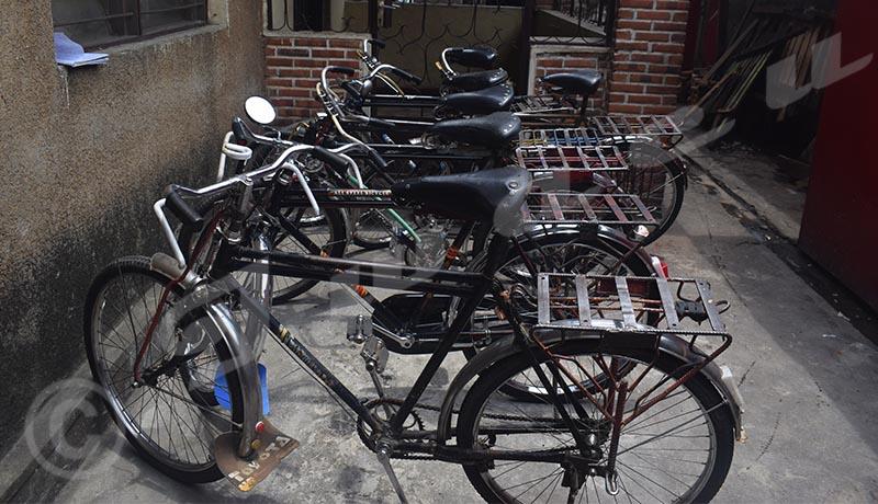 Les conducteurs de taxi-vélos désemparés