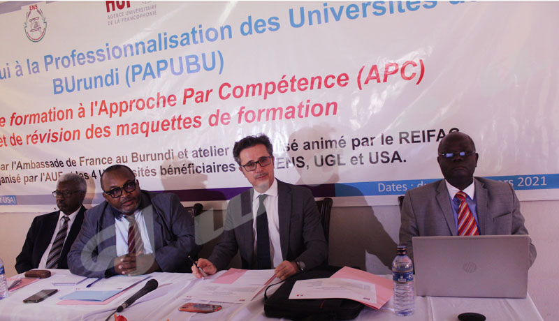 L'AUF pour le développement de l'enseignement supérieur au Burundi