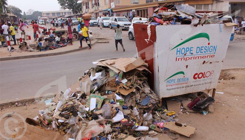 Bujumbura : Des poubelles publiques et la mairie débordées
