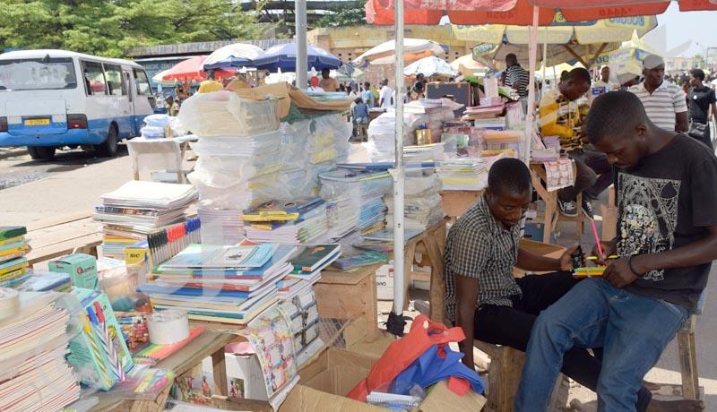 Les vendeurs du matériel scolaire déplorent le non-respect du contrat avec la mairie